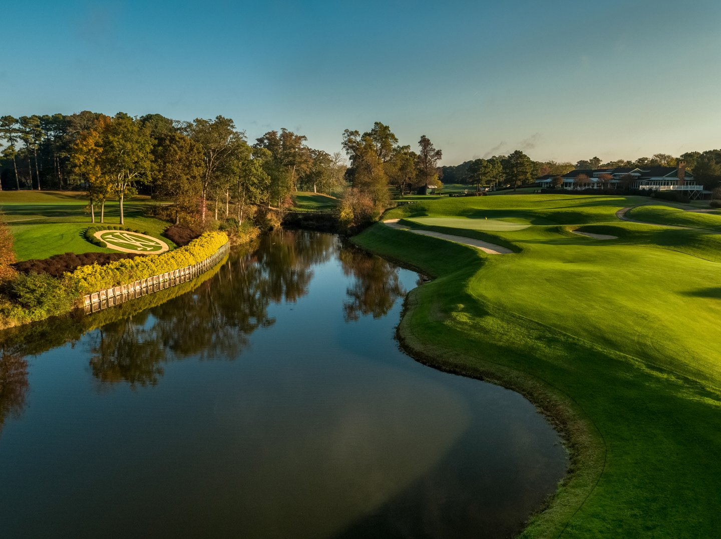 Stay & Play at Kingsmill Resort