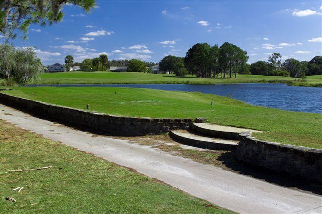 Eagles Golf Club - Lakes Course 16