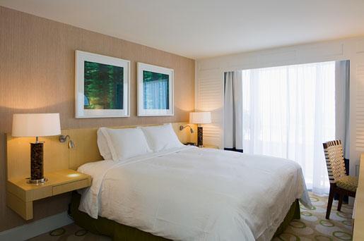 Edgewater Beach Hotel 4